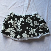 Black Hawaiian/White Eyelet Reversible Skirt – Size 12 – 24 months